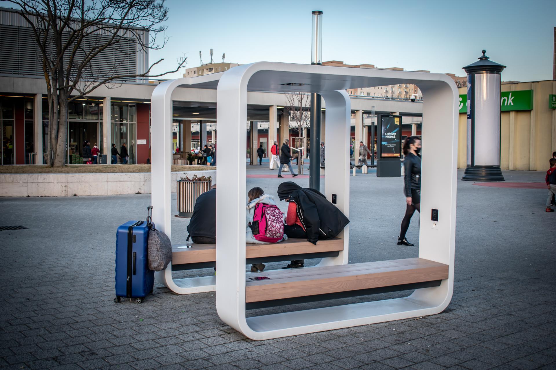 Sorban állnak a külföldi országok a magyar okospadért